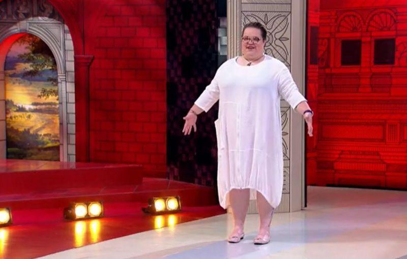 """Первый, кто придумал запустить на модный подиум круглое платье был Пьер Карден в 1965 году, они получили название """"Летающая тарелка"""""""