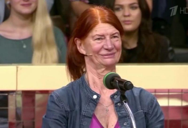 """69-летнюю спортсменку на """"Модном приговоре"""" обули в шпильки и превратили в старуху Шапокляк"""