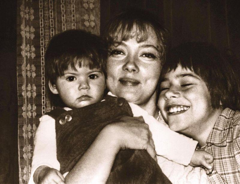 Светлана Смехнова с детьми