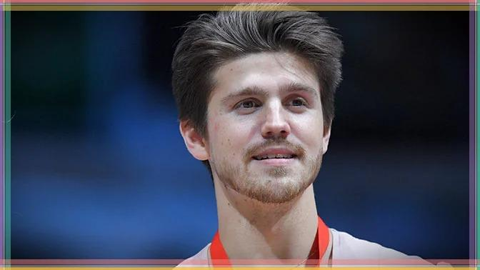 Фигурист Иван Букин.