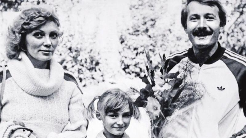 Андрей Градов с дочкой Катей и женой Натальей. Фото взято из свободного источника